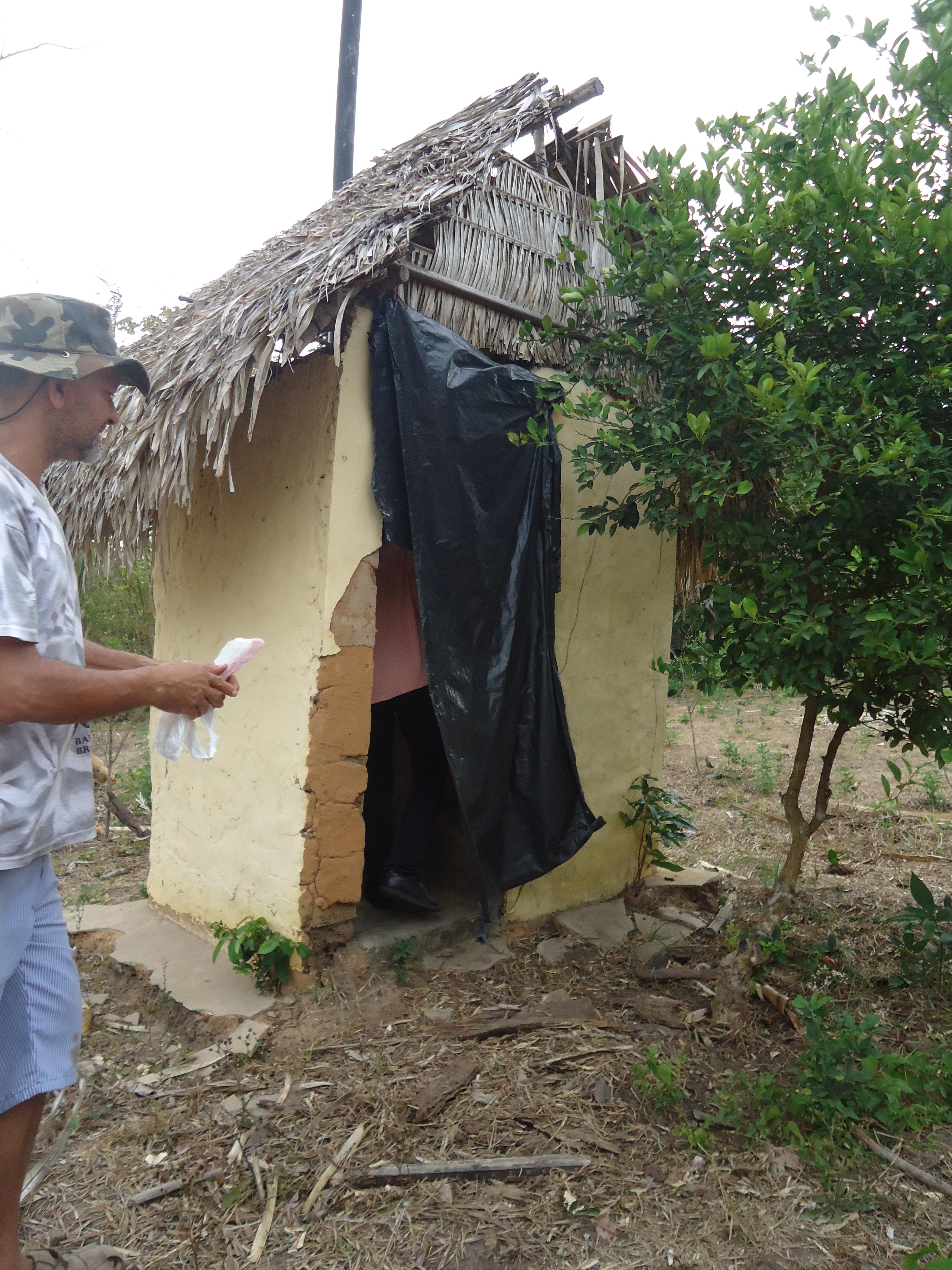 Projeto de banheiro alternativo construído no Panakuí é publicado  #476238 3240 4320